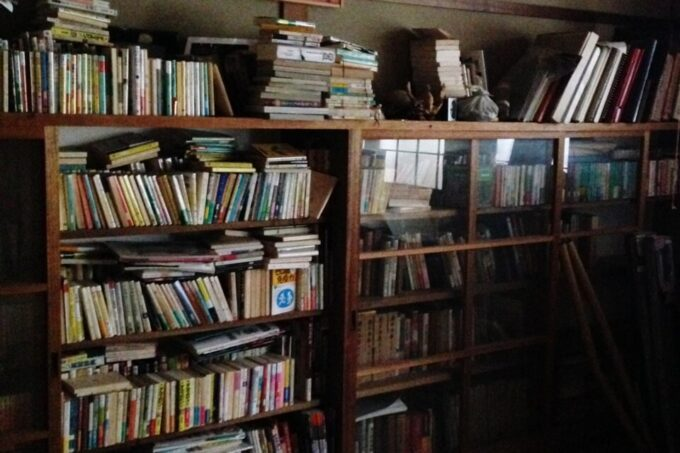 古い本棚も活かすリノベーション