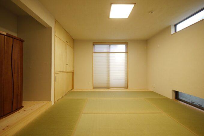 押入れの扉も襖にせずシナフラッシュの扉にしました