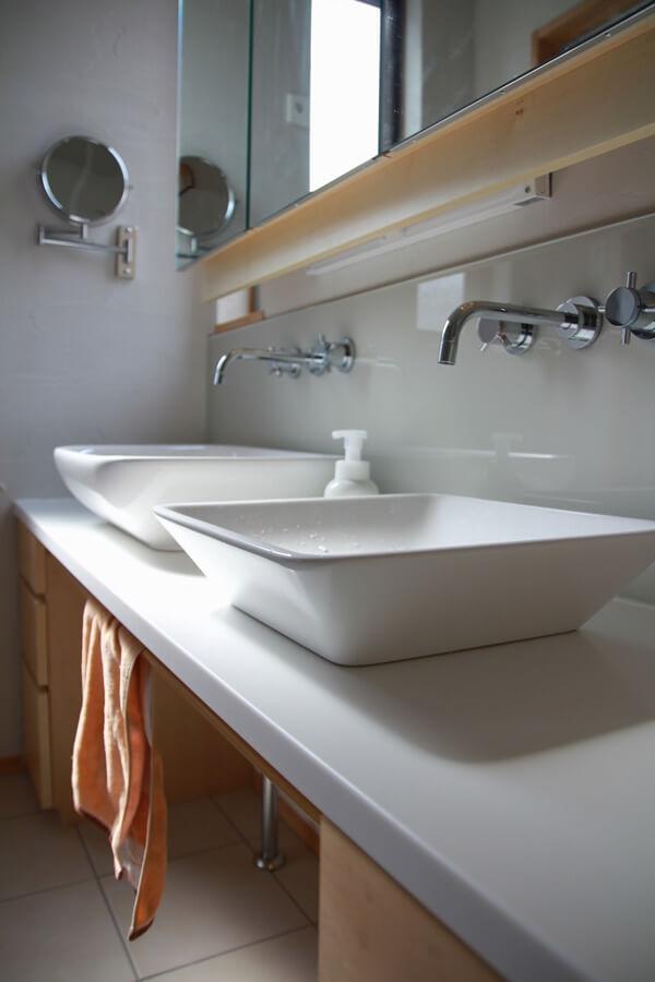 奥行を調整したオリジナルの洗面化粧台