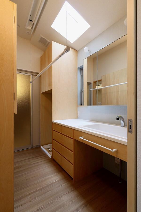 部屋干しユニットホシ姫サマを設置した洗面所