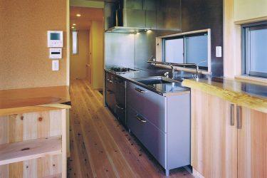 家事動線の短いキッチン