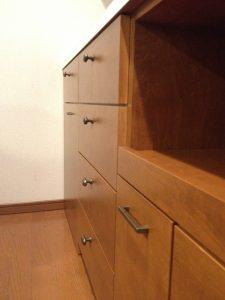 たくさんの収納の工夫があるキッチン背面収納