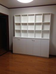 写真や洋書を「見せる」本棚