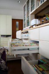 文庫や新書が一目見て分かる深さの本棚引出し