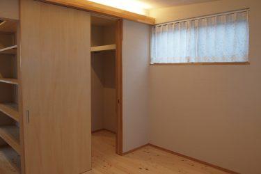寝室には書斎スペースとウォークインクロゼットからアプローチできます