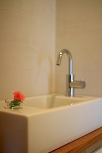 コンパクトなトイレ手洗い