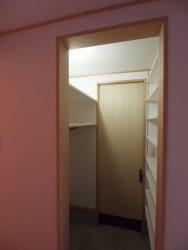 扉をクローズすれば玄関から見えないシューズクロゼット
