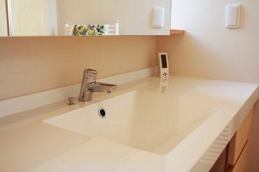 省スペースに収納たっぷりな洗面所