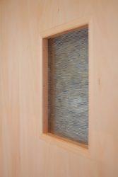 洗面所の建具に装飾ガラス