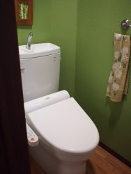 1Fトイレの床クッションフロアを濃茶に張替(2期工事)