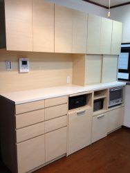 キッチン家電・プリンターもおさまるキッチン収納を製作しました薄型の本棚をつくり書庫をワークスペースにしました(1期工事)