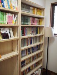 薄型の本棚をつくり書庫をワークスペースにしました(2期工事)