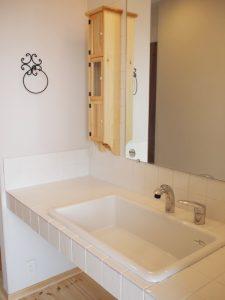 洗面所の鏡を再利用