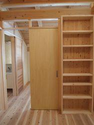 取外し可能な本棚と建具