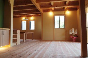 厚板の杉を使った床
