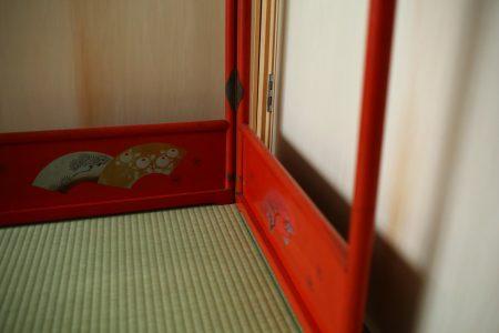 和室の畳と衣桁